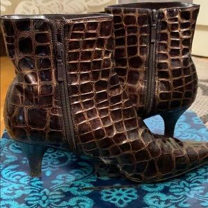 Brown scaled IMPO boot